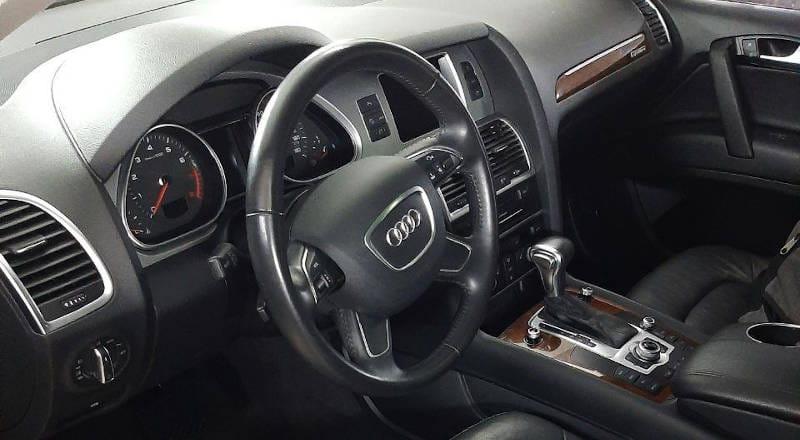 Rent Audi Q7 photo 4