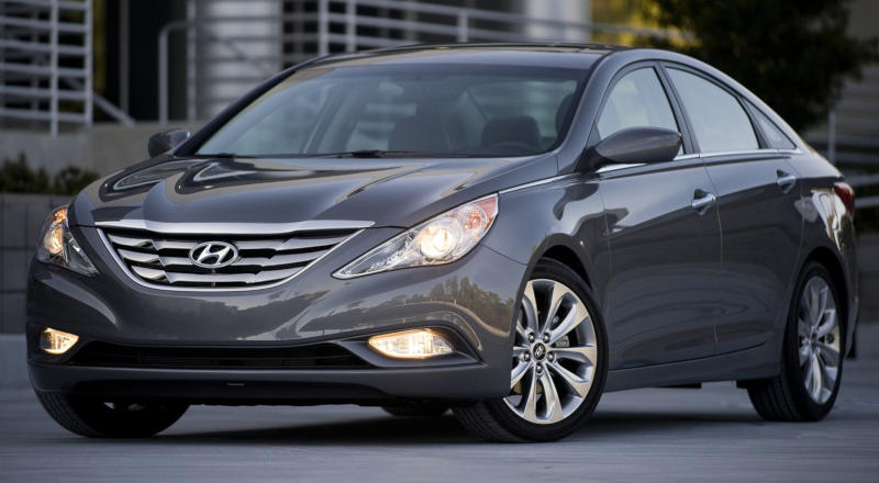 Rent Hyundai Sonata photo 1