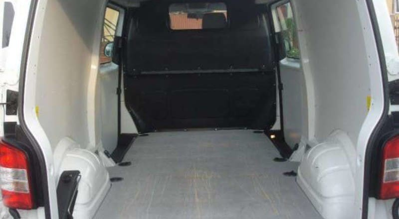 Rent Volkswagen Transporter T5 photo 3