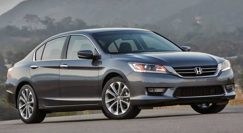 Rent Honda Accord photo 1