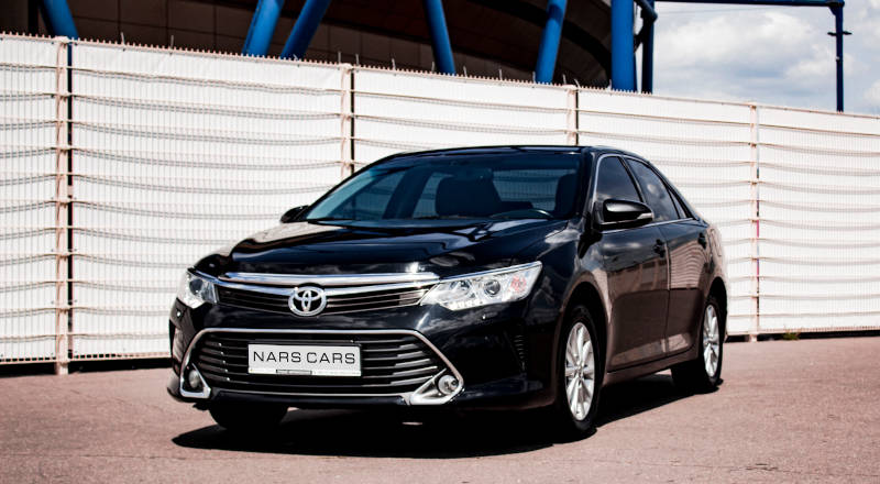Rent Toyota Camry 55 photo 1
