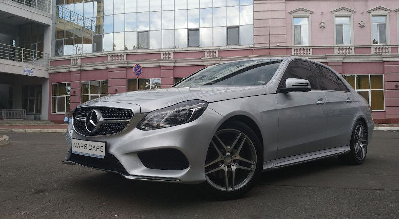 Rent Mercedes E-class photo 1