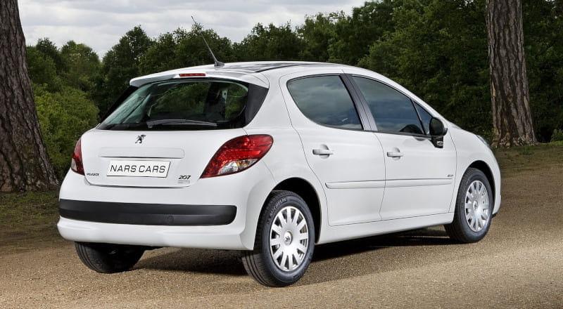 Rent Peugeot 207 photo 2