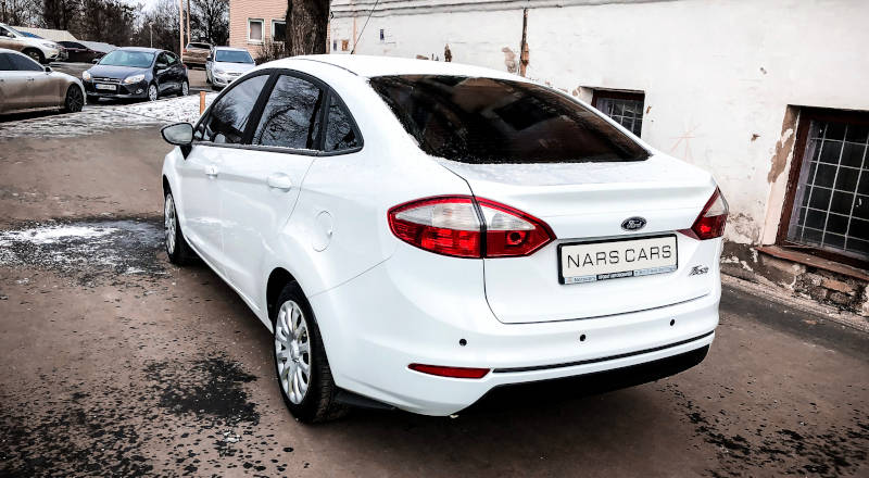 Rent Ford Fiesta Sedan photo 2