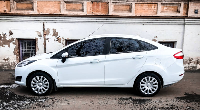 Rent Ford Fiesta Sedan photo 3