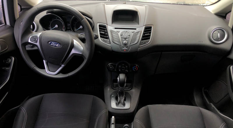 Rent Ford Fiesta Sedan photo 4
