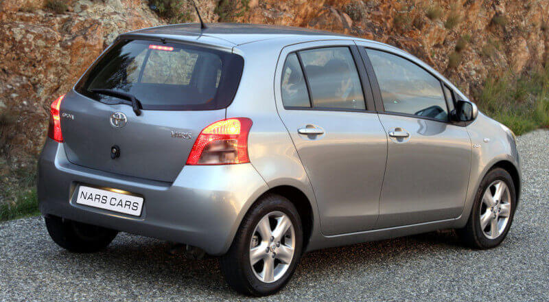 Rent Toyota Yaris photo 2
