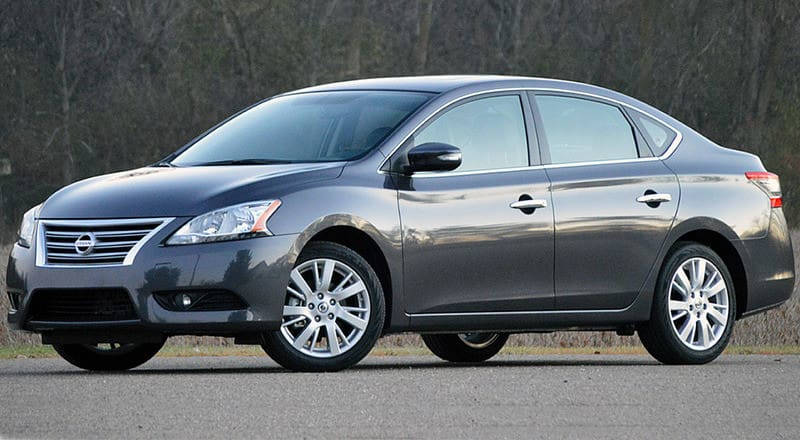 Rent Nissan Sentra photo 3