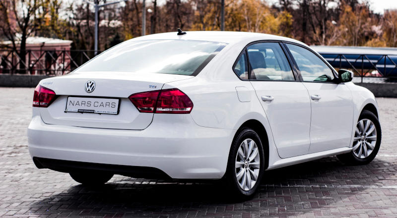 Rent VW Passat B7 photo 2