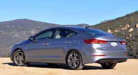 Hyundai Elantra - зображення 1 - Narscars