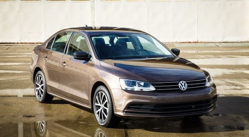 Rent Volkswagen Jetta photo 1