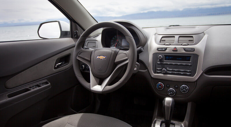 Rent Chevrolet Cobalt photo 4