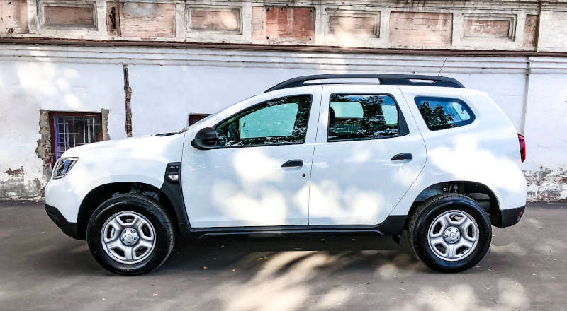 Rent Renault Duster photo 3