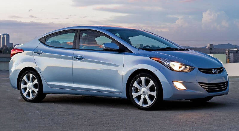 Rent Hyundai Elantra MD photo 2