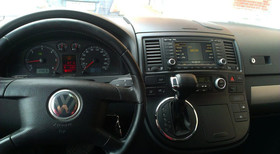 Volkswagen T5 - image 4 - Narscars