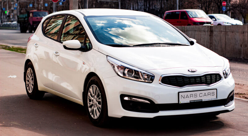 Rent Kia Cee`d photo 1