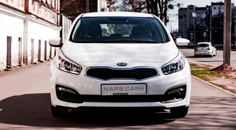 Rent Kia Cee`d photo 3