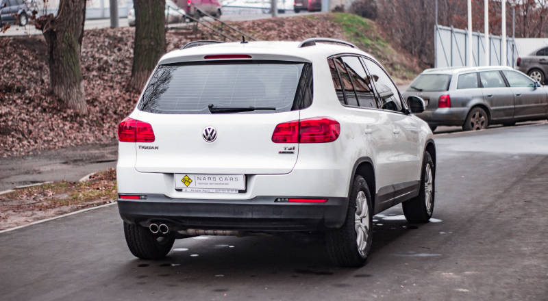Rent Volkswagen Tiguan photo 2