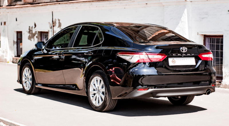 Rent Toyota Camry 70 photo 2