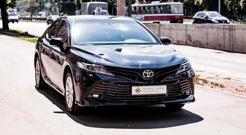 Rent Toyota Camry 70 photo 3