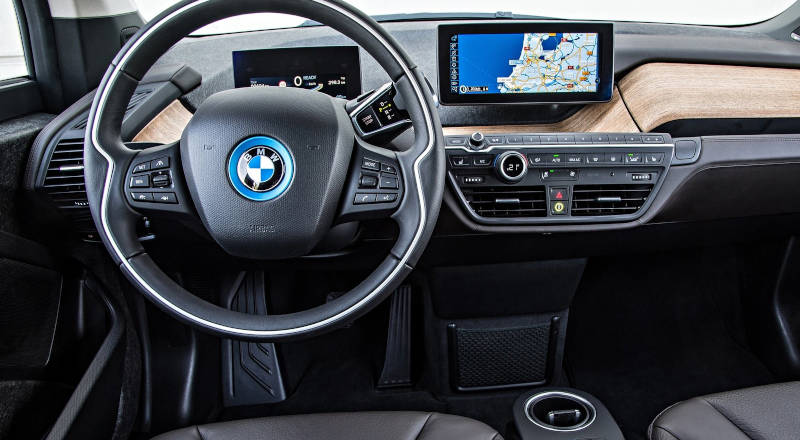 Rent BMW i3 photo 4