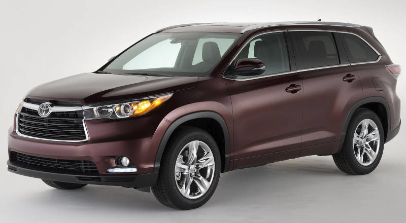 Rent Toyota Highlander photo 1