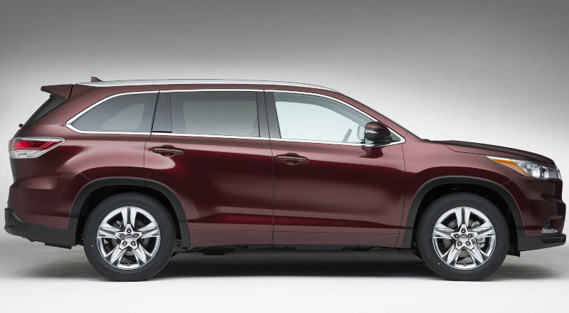 Rent Toyota Highlander photo 3