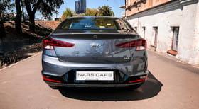 Hyundai Elantra 2019 - image 3 - Narscars