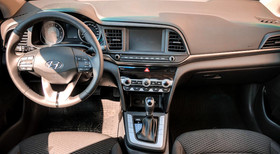 Hyundai Elantra 2019 - image 4 - Narscars