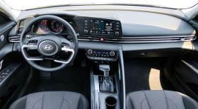 Hyundai Elantra 2021 - image 4 - Narscars