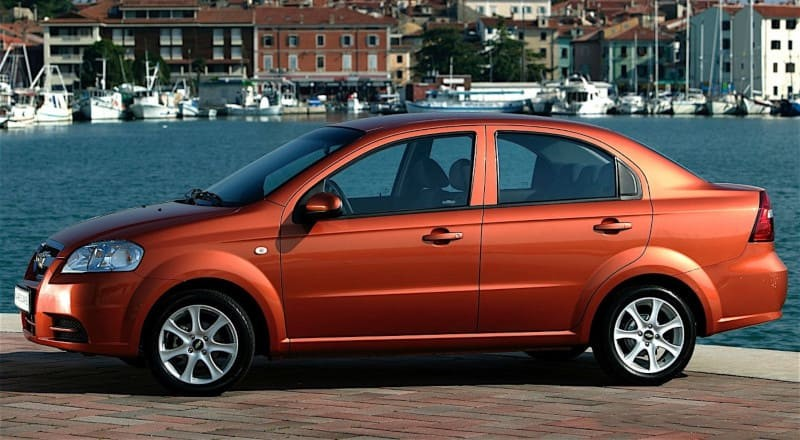 Rent Chevrolet Aveo photo 3
